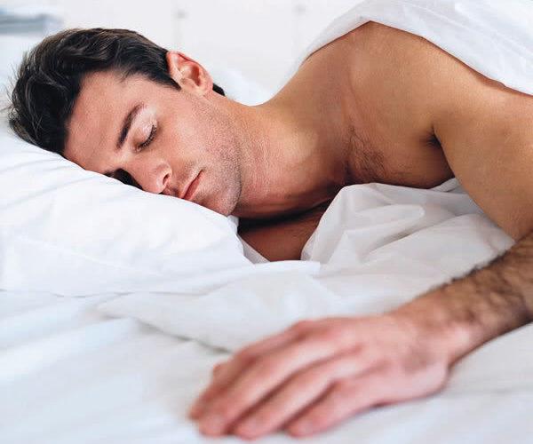 position de sommeil pour arrêter de ronfler
